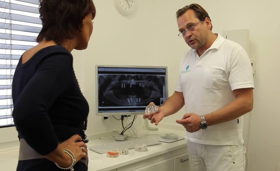 Implantologe